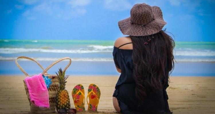 7 Daftar Barang Yang Wajib Dibawa Saat Berlibur Ke Pantai